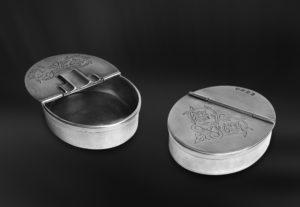 Aschenbecher aus Zinn mit Deckel (Art.784)