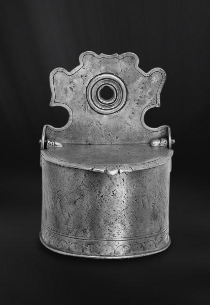 Salzgefäß aus Zinn für die Wandmontage (Art.388)